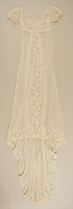 """Metropolitan Museum: French cotton dress c. 1804"" One of my favorites! If I can make it, I would put it over a silk/satin powder blue love sleeve dress of the same style"