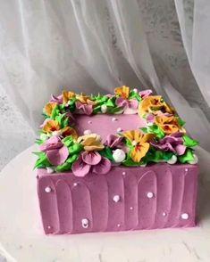 Buttercream Cake Decorating, Cake Decorating Designs, Creative Cake Decorating, Cake Decorating Videos, Birthday Cake Decorating, Cake Decorating Techniques, Creative Cakes, Cake Designs, Cookie Decorating