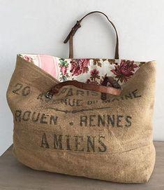Sac cabas vintage FREEDOM Muse de Provence Source by susannemercedes Bags ideas Coffee Sacks, Diy Bags Purses, Pink Purses, Burlap Pillows, Diy Burlap Bags, Recycled Fabric, Handmade Bags, Handmade Handbags, Handmade Pillows