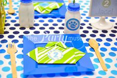 Fun table settings at a Blue's Clues Party.  See more party ideas at CatchMyParty.com.  #lbluescluespartyideas