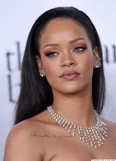Rihanna Debuts Chic New Blunt Bob On 'The Ellen DeGeneres Show'