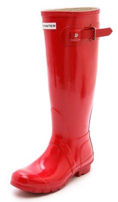 Hunter Gloss Rain Boots  http://rstyle.me/n/fynpkpdpe