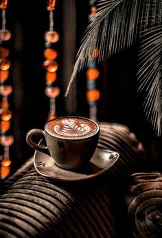 Coffee Latte Art, Coffee Cozy, I Love Coffee, Coffee Time, Morning Coffee, Coffee Shop, Coffee Mugs, Coffee Mornings, Coffee Photos