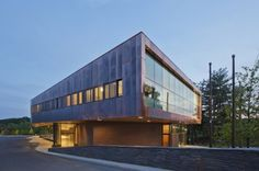Franklin Regional Transit Center / Charles Rose Architects | ArchDaily
