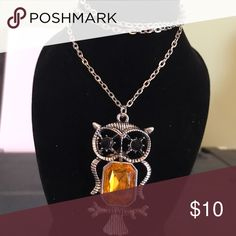 Vintage owl 🦉 pendant necklace Cute vintage necklace 19.5in chain Jewelry Necklaces