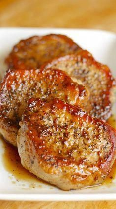pork chop recipes Apple Cider Pork Chops: These tasty apple cider pork chops are a five-ingredient main course thatll be on your table in just 30 minutes. Meat Recipes, Crockpot Recipes, Cooking Recipes, Healthy Recipes, Tasty Dinner Recipes, Recipies, Simple Pork Recipes, Autumn Recipes Dinner, Syrian Recipes