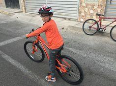 Cleteando José Emilio en su bici specialized hotrock