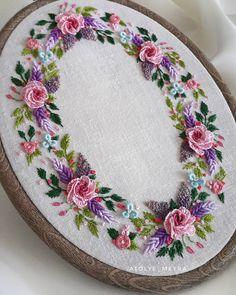 new brazilian embroidery patterns Brazilian Embroidery Stitches, Embroidery Flowers Pattern, Embroidery Works, Creative Embroidery, Hand Embroidery Stitches, Silk Ribbon Embroidery, Embroidery Hoop Art, Hand Embroidery Designs, Embroidery Ideas
