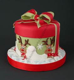 Christmas Cake Decorating Ideas - some amazing cakes! Description from pinterest.com. I searched for this on bing.com/images