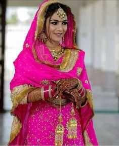 Sikh Wedding Dress, Wedding Suits For Bride, Bride Suit, Indian Wedding Outfits, Bridal Outfits, Bouquet Wedding, Wedding Nails, Wedding Reception, Wedding Ideas
