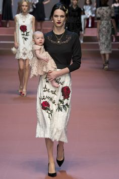 Dolce & Gabbana Fall 2015 RTW Runway – Vogue