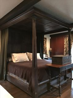 Master Bed Pretty Bedroom, Cozy Bedroom, Master Bedroom, Bedroom Decor, Primitive Bedroom, Tudor House, Rustic Farmhouse, Antique Furniture, Pilgrims