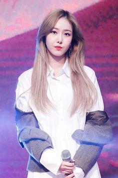 Kpop Girl Groups, Korean Girl Groups, Kpop Girls, Sinb Gfriend, Cloud Dancer, G Friend, The Shining, Queen B, Foto Bts