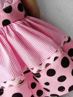 Darling Details❤~ rick rack to attach lower border fabric. Love the mix of a bold polka dot with sweet gingham check. Little Girl Dresses, Girls Dresses, Toddler Outfits, Kids Outfits, Little Girl Fashion, Kids Fashion, Couture Bb, Girl Dress Patterns, Ag Doll Clothes