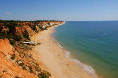 A Praia da Falésia, em Albufeira, é considerada a 18ª melhor praia entre as 25 melhores da Europa, consideram os utilizadores do TripAdvisor, no ranking deste site em 2013.