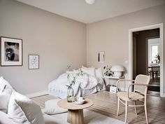 Add a soothing note to your interior with sand color – Ideas rnrnSource by helensideen Murs Beiges, My Room, Living Room, Interior Design, House, Inspiration, Home Decor, Furniture, Color