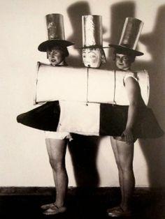 "Women at the ""New Objectivity"" party  1925, from MONDOBLOGO"