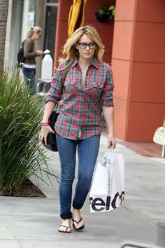 School Outfit: Hilary Duff  NOTE: Good outfit for people with glasses