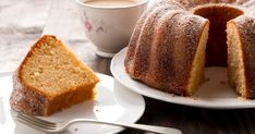 Moist and delicious, this cake is something you'll want to serve on a big holiday! My Recipes, Dessert Recipes, Favorite Recipes, Brown Sugar Pound Cake, Cheesecakes, Southern Desserts, Recipe Filing, Magic Recipe, Gingerbread Cake