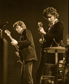 """Robbie Robertson & Bob Dylan, Robbie's """"The Band"""" toured with Bob in 1974, and earlier when known as """"The Hawks"""" had been his backing band."""