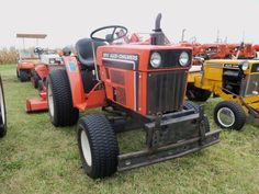 Allis CHalmers weren't made stateside.but for some reason i liked them.maybe the color. Garden Equipment, Outdoor Power Equipment, Tractor Pulling, Compact Tractors, Lawn And Garden, Lawn Mower, Miniature, Yard, Shop