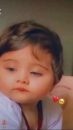Cute Funny Baby Videos, Cute Kids Pics, Cute Baby Girl Pictures, Cute Funny Babies, Funny Videos For Kids, Cute Couple Videos, Cute Song Lyrics, Cute Songs, Cute Little Baby Girl