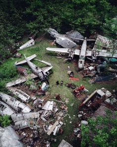 abandoned places aesthetic - abandoned places _ abandoned places creepy _ abandoned places beautiful _ abandoned places in the us _ abandoned places near me _ abandoned places photoshoot _ abandoned places in america _ abandoned places aesthetic Abandoned Buildings, Abandoned Property, Abandoned Mansions, Abandoned Houses, Abandoned Places, Old Houses, Places Around The World, Around The Worlds, Haunted Places