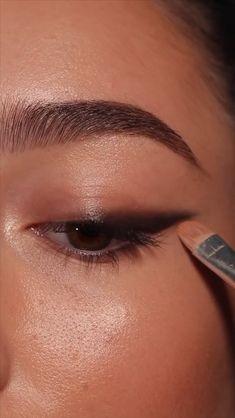 Bronze Eye Makeup, Edgy Makeup, Makeup Eye Looks, Eye Makeup Steps, Eye Makeup Art, Eyebrow Makeup, Simple Makeup, Skin Makeup, Eyeshadow Makeup