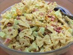 Liian hyvää: Hedelmäinen broileri-pastasalaatti