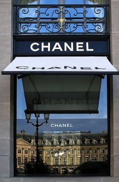 Chanel Boutique, Paris :)