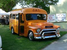 Short bus School Bus Camper, Old School Bus, School Buses, Vw Camper, Campers, Motorhome, U Haul Truck, 72 Chevy Truck, Volkswagen Bus