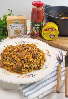 Φτιάχνουμε το πιο νόστιμο κριθαρότο με πικάντικα καλαμαράκια Safcol και αρωματικά χόρτα. Για εγγυημένο αποτέλεσμα χρησιμοποιούμε προϊόντα ΟΜΟΣΠΟΝΔΙΑ. Fried Rice, Fries, Ethnic Recipes, Food, Essen, Meals, Nasi Goreng, Yemek, Stir Fry Rice