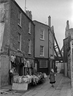 """Dublin History ~ Riddles Row off Coles Lane looking towards Parnell Street Vintage Pictures, Old Pictures, Old Photos, Dublin Street, Dublin City, Sing Street, Ireland Pictures, Photo Engraving, Old Images"