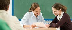 Sólo el 8% de los docentes tiene menos de 30 años.  http://www.elmundo.es/espana/2014/12/01/547b56b7ca47413d3f8b457d.html