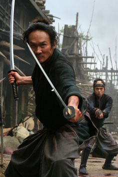 13 Assassins Favorite gurpy corp -Youtube Action Pose Reference, Pose Reference Photo, Action Poses, Ronin Samurai, Samurai Swords, Sword Poses, Samurai Artwork, Fighting Poses, Martial Arts Movies