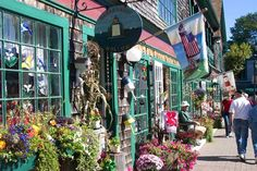 Bar Harbor, Maine shopping with so many lobster hut everywhere, My husband was in heaven.
