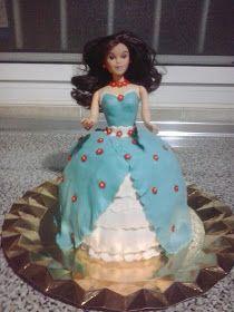 CAKES Y PATCHWORK : TARTA BARBIE CON FONDANT