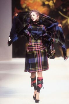 Les Annèes 1990-200 Histoire idèale de la mode contemporaine Vol.II - The Dolls Factory Vivienne Westwood ready-to-wear fall / winter 1995-1996