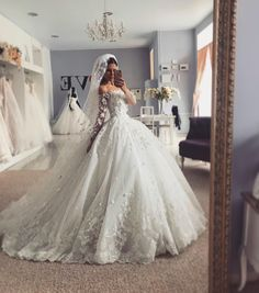 pictures of satin wedding dresses Pretty Wedding Dresses, Princess Wedding Dresses, Bridal Dresses, Gown Wedding, Couture Dresses, Wedding Cakes, Wedding Dresses On Sale, Fluffy Wedding Dress, Wedding Hijab