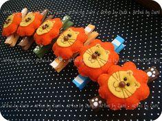Prendedores decorados leõezinhos