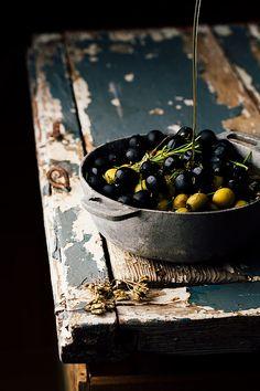 Olives by Raquel Carmona Romero - Photo 179329663 / Amazing Food Photography, Dark Food Photography, Photography Photos, Key Food, Mets, Food Styling, Food Art, Food Inspiration, Food And Drink