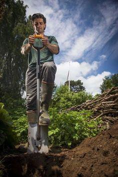 Rýč Fiskars Xact velký, s rovnou čepelí – nejlepší nástroj pro rytí a zarovnávání trávy ve všech půdách. Prodloužená záruka 25 let!