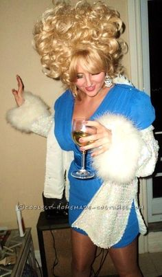"Coolest Homemade Dolly Parton Costume... This website is the ""Pinterest"" of costumes"