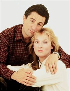 FALLING IN LOVE - Married to a doctor, housewife (Meryl Streep) has an affair with architect (Robert DeNiro) - Directed by Ulu Grosbard - Paramount - Publicity Still. Meryl Streep, Barack Obama, Hunter Movie, Image Film, Old Movie Stars, Best Actress, Cinema, Hollywood Stars, American Actress