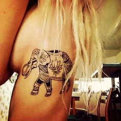 Tatuagem Feminina na Costela | Elefante Maori