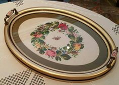 Neşe'nin gözdeleri Cross Stitch Borders, Cross Stitching, Picture Frame Tray, Home Crafts, Diy And Crafts, Crewel Embroidery, Needlepoint, Chicano, Kitty