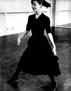 Audrey Hepburnrehearsing'Funny Face' (1957)