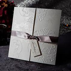 tarjetas de boda, sencillas con relieve de marfil y lazo, muy elegantes