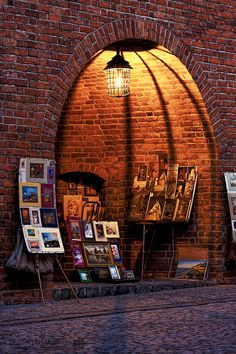 Street gallery in Warsaw: http://hdrphotographer.blogspot.com/2014/01/new-look-of-blog.html