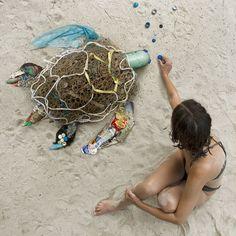 awareness Collected Giant ocean trash art bandon P… Ocean Pollution, Plastic Pollution, Save Our Earth, Trash Art, Cute Turtles, Plastic Art, Environmental Art, Recycled Art, Grafik Design
